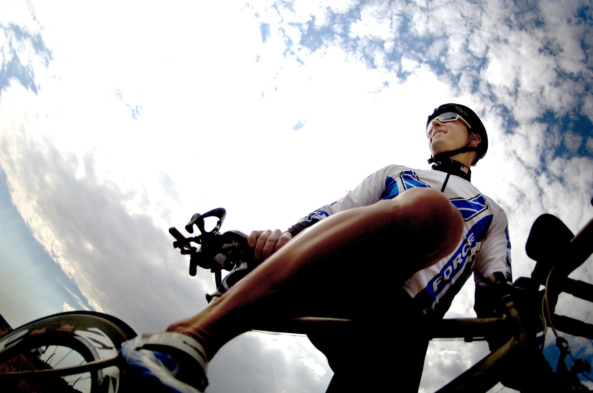 Tour de France : un coureur coincé dans des rouleaux de lavage pour voiture